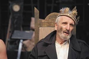 Κατεβαίνει στην Αθήνα ο «Βασιλιάς Ληρ»